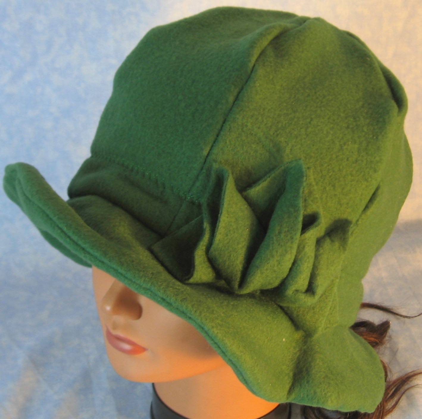 Cloche Hat in Green-Adult M