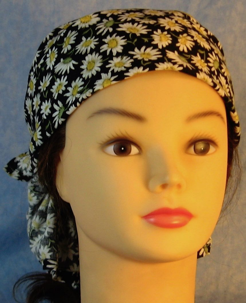 Head Wrap in White Daisy on Black