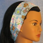 Headband in blue cat print - side