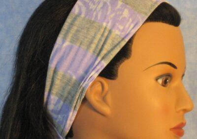 Headband in purple gray burnout knit - side