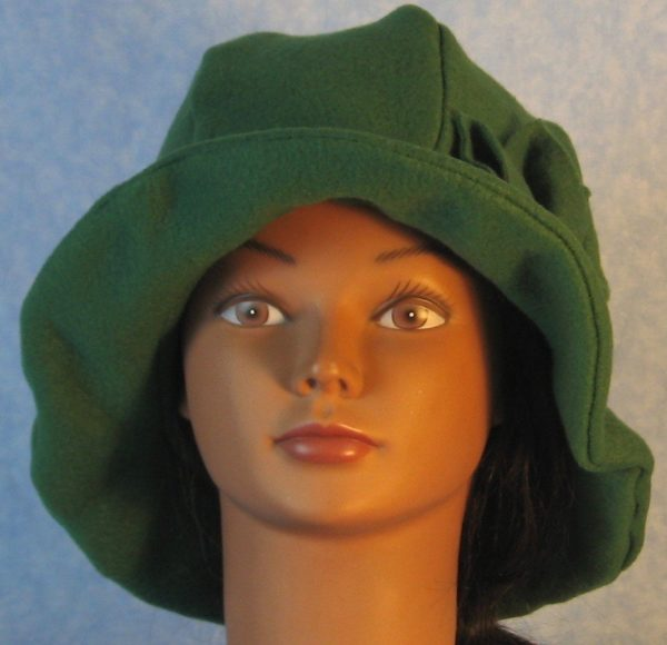 Cloche Hat in Green - front
