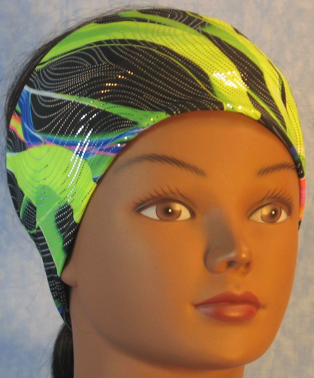 Headband-Green Black Waves With Silver Performance Knit-Adult S