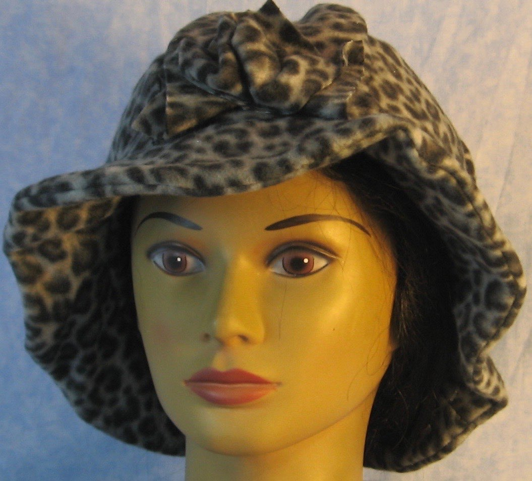 Cloche Hat in Gray Black Leopard-Adult L