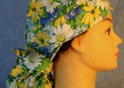 Hair Stocking in White Blue Yellow Daisy-right