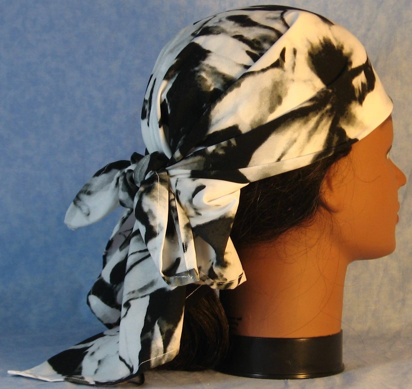 HeadWrap-Black White Large Flower-Wrap-right