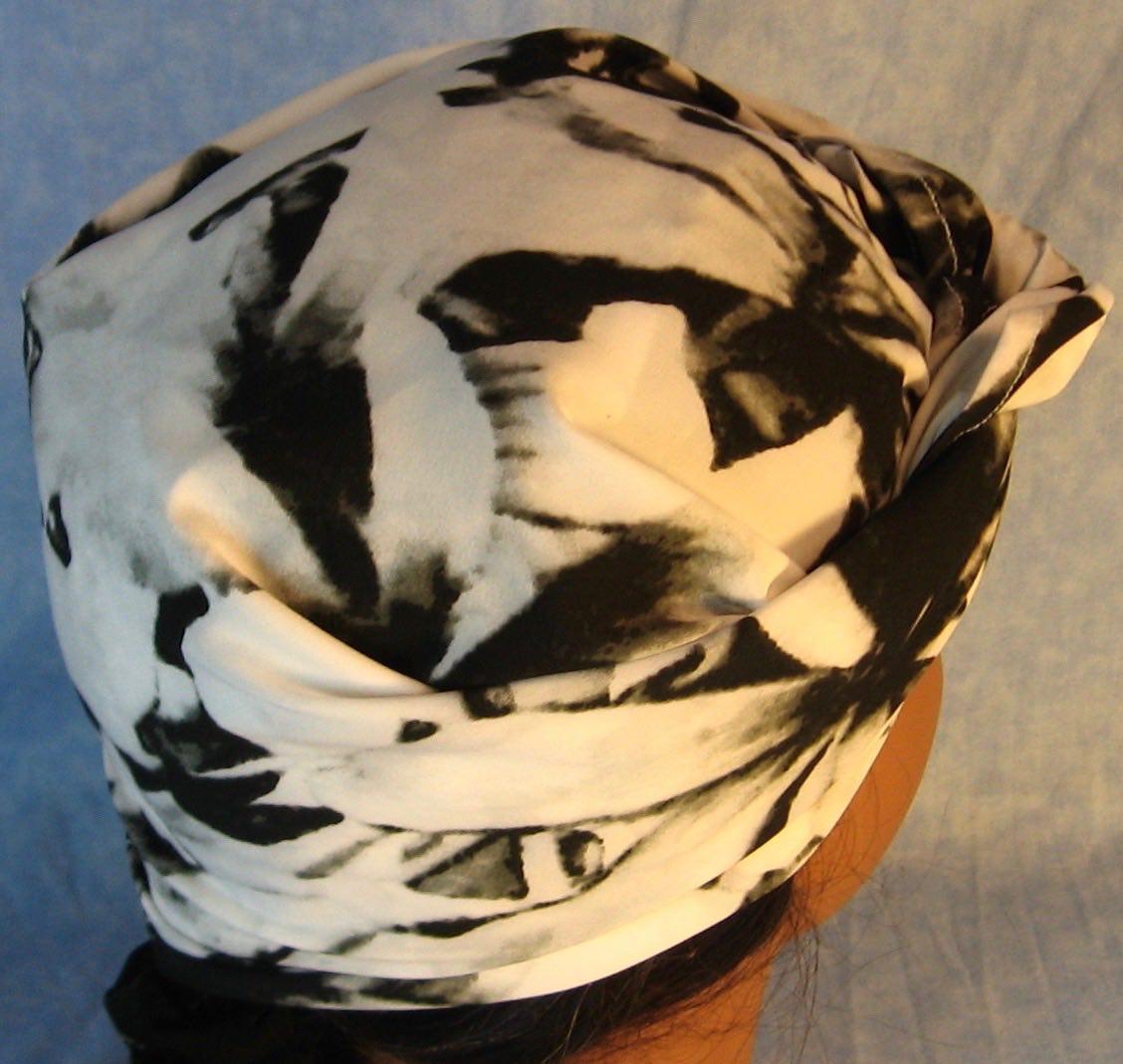 HeadWrap-Black White Large Flower-riveter-back