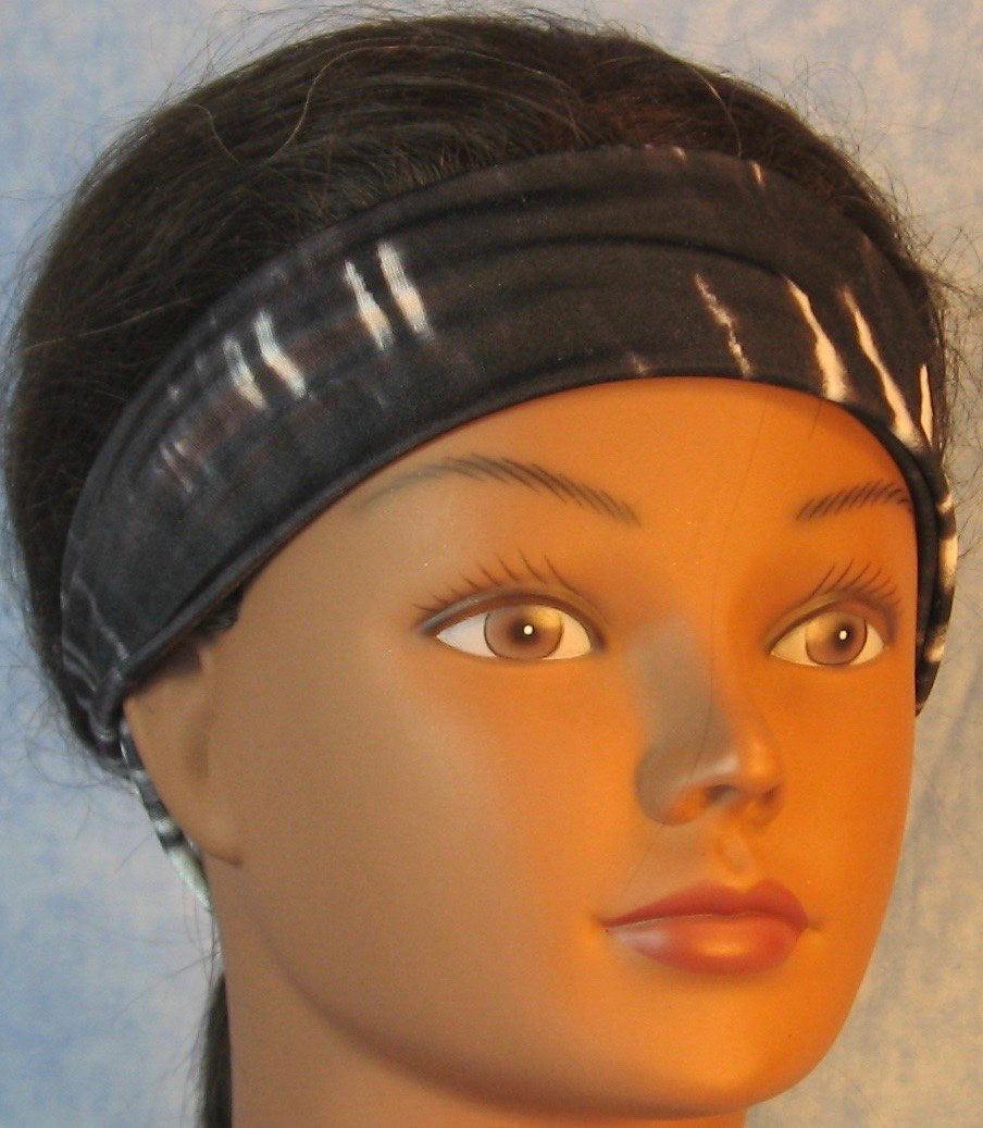 Headband-Black White Tie Dye Stripe-folded front