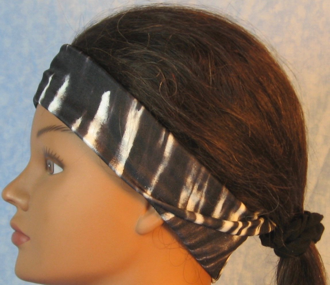 Headband-Black White Tie Dye Stripe-folded left