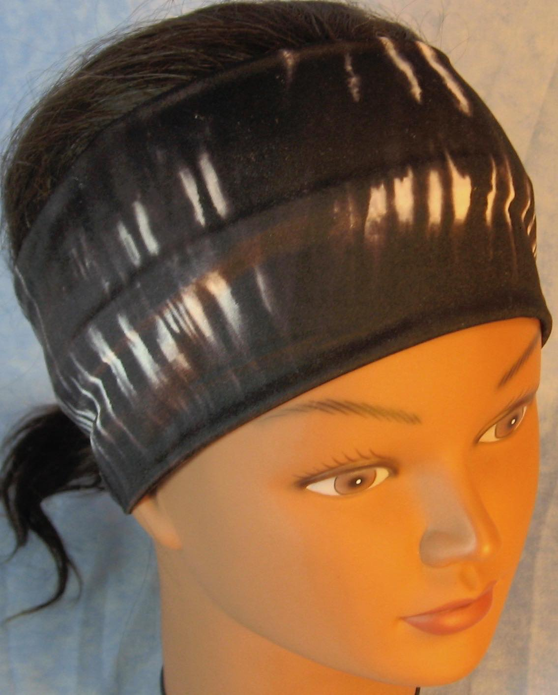 Headband-Black White Tie Dye Stripe-front top