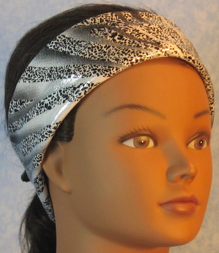 Headband-Black Dotted Waves on Silver Performance Knit-Adult M