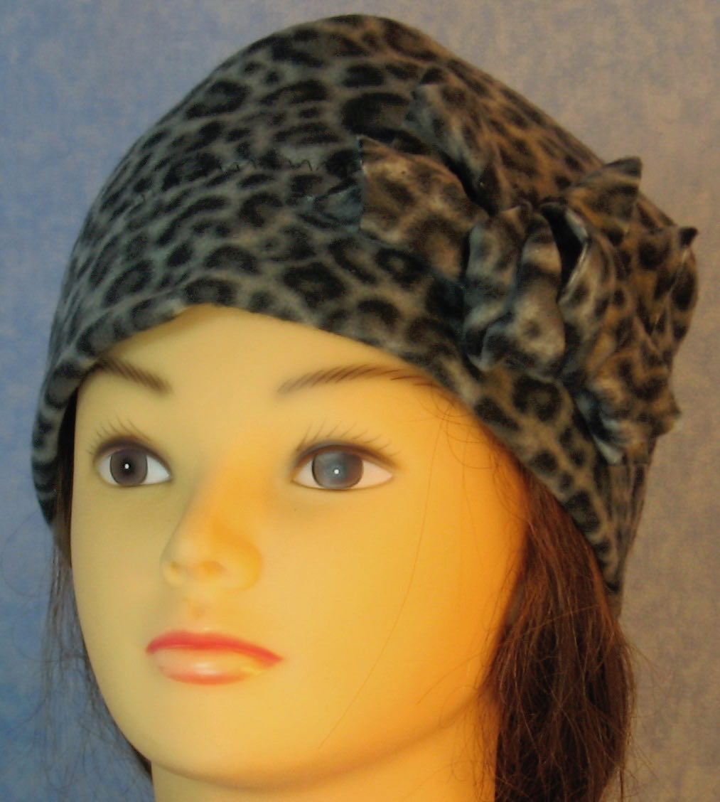 Beanie Band Flower Cap in Black Gray Leopard-Adult S