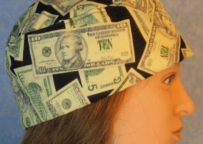 Skull-Money on Black-right