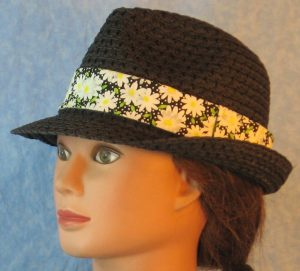 Fedora Bands in White Daisy with White Dots on Black-black left