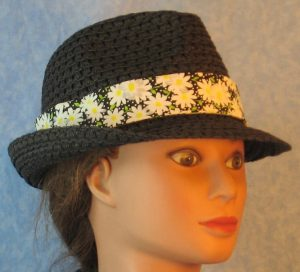 Fedora Bands in White Daisy with White Dots on Black-black right