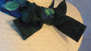 Floppy Band in Green Blue Purple Leaves on Navy with Green Roses Ties-ivory back