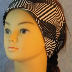 Headband in Black White Geometric Diamond Triangle-left