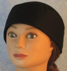 Skull Cap in Black Polyester Knit-front