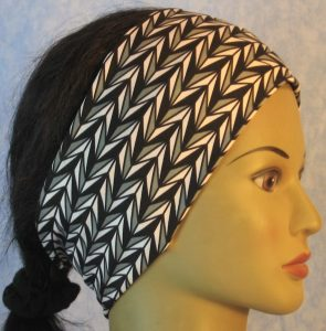 Headband in Black Gray White Arrowhead Stripe-right