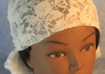Head Wrap in Lily Flower Rows Off-White Lace-top