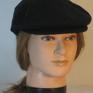 Ivy Flat Cap in Black- front